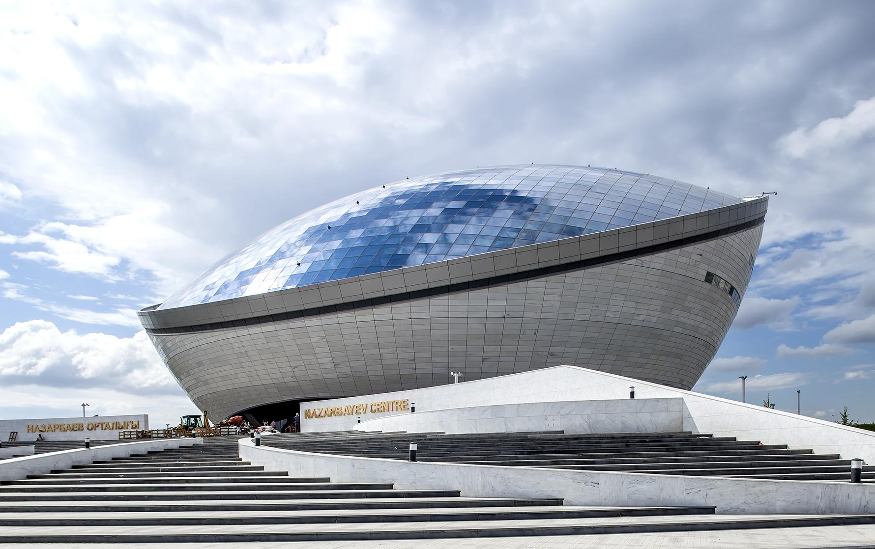 Назарбаев-центр в астане, фото 6828517, снято 8 июня 2014 г (c) вячеслав евсеев / фотобанк лори